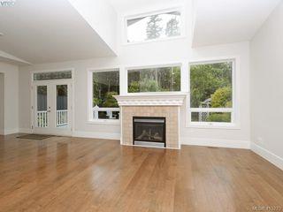 Photo 4: 1210 Lavinia Lane in VICTORIA: SE Cordova Bay Single Family Detached for sale (Saanich East)  : MLS®# 819540