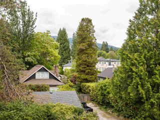 "Photo 16: 502 1785 ESQUIMALT Avenue in West Vancouver: Ambleside Condo for sale in ""Shalimar"" : MLS®# R2387150"