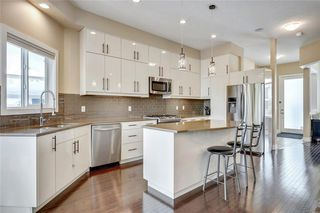 Photo 2: 4619 84 Street NW in Calgary: Bowness Semi Detached for sale : MLS®# C4271032