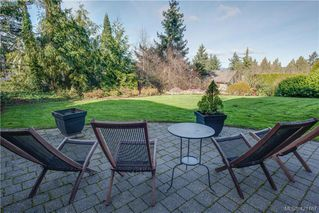 Photo 8: 6898 Mckenna Crt in BRENTWOOD BAY: CS Brentwood Bay House for sale (Central Saanich)  : MLS®# 833582