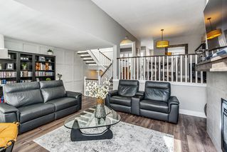 "Photo 4: 15 1759 130 Street in Surrey: Crescent Bch Ocean Pk. Townhouse for sale in ""San Juan Gate"" (South Surrey White Rock)  : MLS®# R2469905"