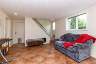 Photo 16: 1074 Londonderry Rd in Saanich: SE Lake Hill House for sale (Saanich East)  : MLS®# 841923