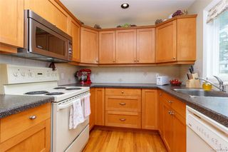 Photo 6: 1074 Londonderry Rd in Saanich: SE Lake Hill House for sale (Saanich East)  : MLS®# 841923