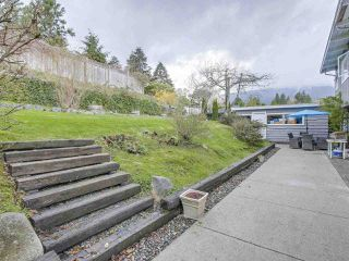 Photo 24: 921 ROSLYN BOULEVARD in North Vancouver: Dollarton House for sale : MLS®# R2487942