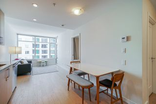 Photo 2: 911 38 W 1ST AVENUE in Vancouver: False Creek Condo for sale (Vancouver West)  : MLS®# R2492944