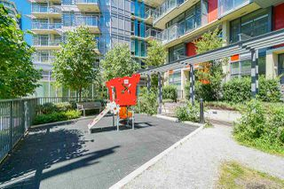 Photo 17: 911 38 W 1ST AVENUE in Vancouver: False Creek Condo for sale (Vancouver West)  : MLS®# R2492944