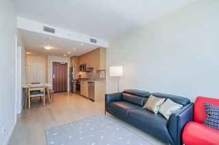 Photo 4: 911 38 W 1ST AVENUE in Vancouver: False Creek Condo for sale (Vancouver West)  : MLS®# R2492944