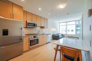 Photo 1: 911 38 W 1ST AVENUE in Vancouver: False Creek Condo for sale (Vancouver West)  : MLS®# R2492944