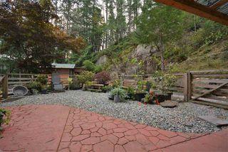 Photo 4: 4461 GARDEN BAY Road in Garden Bay: Pender Harbour Egmont House for sale (Sunshine Coast)  : MLS®# R2509182