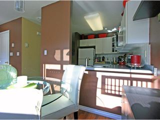 """Photo 3: 20 12449 191ST Street in Pitt Meadows: Mid Meadows Townhouse for sale in """"WINDSOR CROSSING"""" : MLS®# V922651"""
