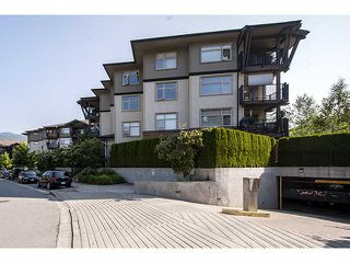 Main Photo: 305 400 Klahanie Drive in Port Moody: Condo for sale : MLS®# V961356
