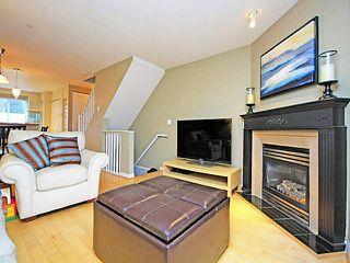 "Photo 4: 26 288 ST DAVIDS Avenue in North Vancouver: Lower Lonsdale Townhouse for sale in ""ST DAVID'S LANDING"" : MLS®# V1041759"