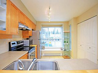 "Photo 11: 26 288 ST DAVIDS Avenue in North Vancouver: Lower Lonsdale Townhouse for sale in ""ST DAVID'S LANDING"" : MLS®# V1041759"