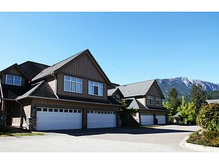 "Photo 2: 4 40750 TANTALUS Road in Squamish: Tantalus Townhouse for sale in ""MEIGHAN CREEK"" : MLS®# V1046983"