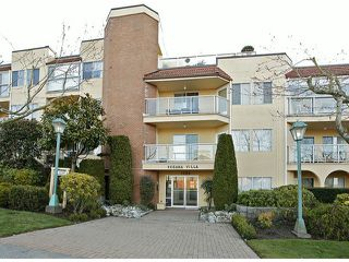 "Photo 1: 206 1280 FIR Street: White Rock Condo for sale in ""Oceana Villa"" (South Surrey White Rock)  : MLS®# F1408038"