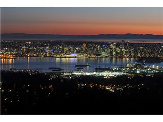 Photo 2: 237 RONDOVAL Crescent in North Vancouver: Upper Delbrook House for sale : MLS®# V1102155