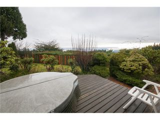 Photo 20: 237 RONDOVAL Crescent in North Vancouver: Upper Delbrook House for sale : MLS®# V1102155