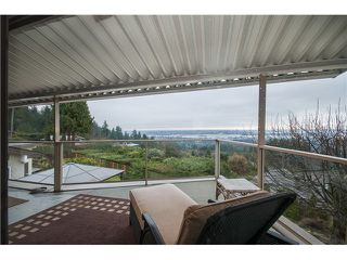 Photo 16: 237 RONDOVAL Crescent in North Vancouver: Upper Delbrook House for sale : MLS®# V1102155