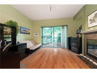 """Photo 11: 4 1182 QUEBEC Street in Vancouver: Mount Pleasant VE Townhouse for sale in """"CITYGATE"""" (Vancouver East)  : MLS®# V1112394"""