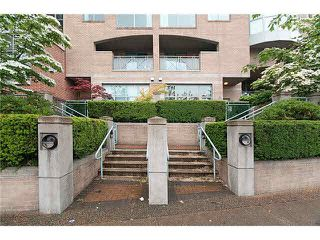"""Photo 1: 4 1182 QUEBEC Street in Vancouver: Mount Pleasant VE Townhouse for sale in """"CITYGATE"""" (Vancouver East)  : MLS®# V1112394"""