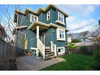 "Photo 2: 956 E 13TH Avenue in Vancouver: Mount Pleasant VE House 1/2 Duplex for sale in ""Charles Dickens"" (Vancouver East)  : MLS®# V1123181"