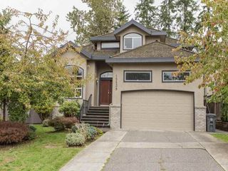 Photo 1: 15539 78A Avenue in Surrey: Fleetwood Tynehead House for sale : MLS®# R2009441