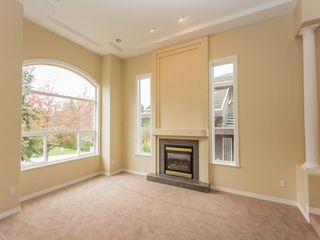 Photo 3: 15539 78A Avenue in Surrey: Fleetwood Tynehead House for sale : MLS®# R2009441