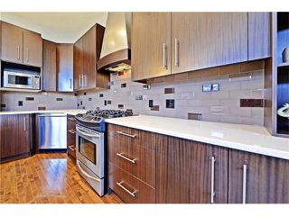 Photo 11: 2626 1 Avenue NW in Calgary: West Hillhurst House for sale : MLS®# C4039407