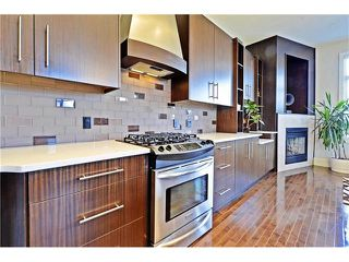 Photo 13: 2626 1 Avenue NW in Calgary: West Hillhurst House for sale : MLS®# C4039407