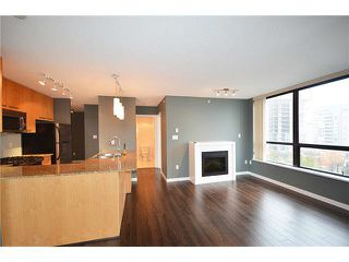 "Photo 4: 1007 2979 GLEN Drive in Coquitlam: North Coquitlam Condo for sale in ""ALTAMONTE BY BOSA"" : MLS®# R2018138"
