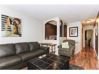Photo 8: 6139 MADDOCK Drive NE in Calgary: Marlborough Park House for sale : MLS®# C4046134
