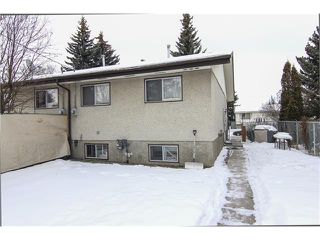 Photo 3: 6139 MADDOCK Drive NE in Calgary: Marlborough Park House for sale : MLS®# C4046134