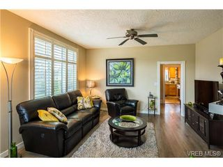 Photo 3: 1639 Pembroke St in VICTORIA: Vi Fernwood House for sale (Victoria)  : MLS®# 726428