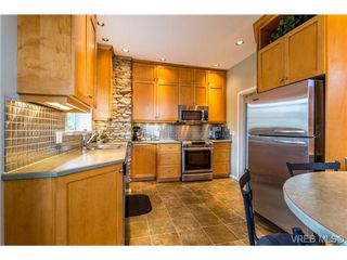 Photo 6: 1639 Pembroke St in VICTORIA: Vi Fernwood House for sale (Victoria)  : MLS®# 726428