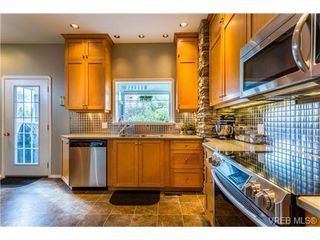 Photo 8: 1639 Pembroke St in VICTORIA: Vi Fernwood House for sale (Victoria)  : MLS®# 726428