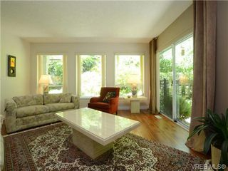 Photo 3: 7349 SEABROOK Road in SAANICHTON: CS Saanichton Single Family Detached for sale (Central Saanich)  : MLS®# 364457