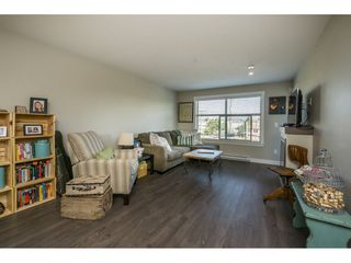 "Photo 10: 301 19936 56 Avenue in Langley: Langley City Condo for sale in ""Bearing Point"" : MLS®# R2103266"