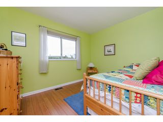 Photo 11: 32737 NANAIMO Close in Abbotsford: Central Abbotsford House for sale : MLS®# R2117570