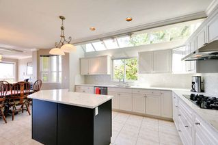 Photo 10: 1107 FIR Street: White Rock House for sale (South Surrey White Rock)  : MLS®# R2120181