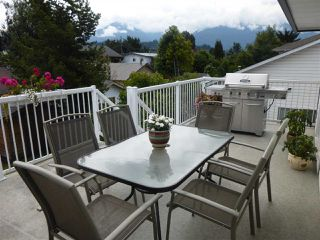 Photo 10: 6382 SELKIRK Street in Sardis: Sardis West Vedder Rd House for sale : MLS®# R2123260
