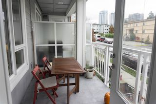 "Photo 11: 206 717 CHESTERFIELD Avenue in North Vancouver: Central Lonsdale Condo for sale in ""Queen Mary"" : MLS®# R2125074"