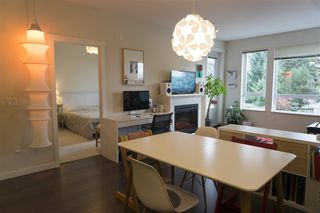 "Photo 3: 206 717 CHESTERFIELD Avenue in North Vancouver: Central Lonsdale Condo for sale in ""Queen Mary"" : MLS®# R2125074"