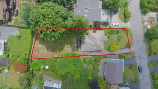 Photo 3: 4740 CEDARCREST Avenue in North Vancouver: Canyon Heights NV House for sale : MLS®# R2129725