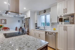 Photo 3: 2798 GOLDSTREAM Crescent in Coquitlam: Coquitlam East House for sale : MLS®# R2150604