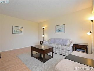 Photo 3: 1701 Jefferson Avenue in VICTORIA: SE Gordon Head Strata Duplex Unit for sale (Saanich East)  : MLS®# 376112