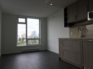 "Photo 3: 2005 5515 BOUNDARY Road in Vancouver: Collingwood VE Condo for sale in ""WALL CENTRE"" (Vancouver East)  : MLS®# R2168373"