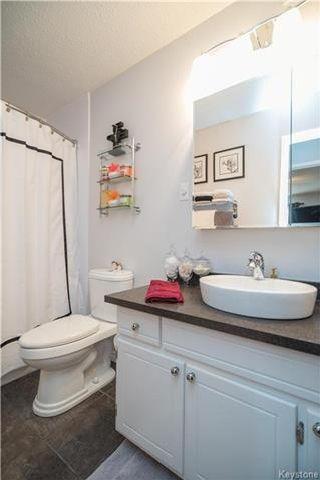 Photo 3: 35 Wynford Drive in Winnipeg: East Transcona Condominium for sale (3M)  : MLS®# 1715315