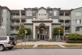 "Photo 2: 411 6475 CHESTER Street in Vancouver: Fraser VE Condo for sale in ""SOUTHRIDGE HOUSE"" (Vancouver East)  : MLS®# R2202385"