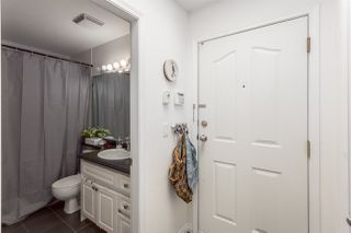 "Photo 4: 411 6475 CHESTER Street in Vancouver: Fraser VE Condo for sale in ""SOUTHRIDGE HOUSE"" (Vancouver East)  : MLS®# R2202385"