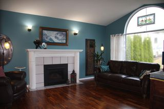 Photo 6: 3901 Waterton Crescent in Abbotsford: Abbotsford East House for sale : MLS®# R2208550